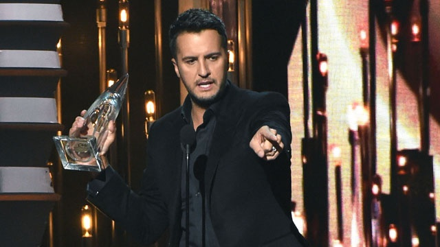 Luke-Bryan-wins-Entertainer-of-Year-at-CMAs-jpg_81258_ver1_20170123162343-159532