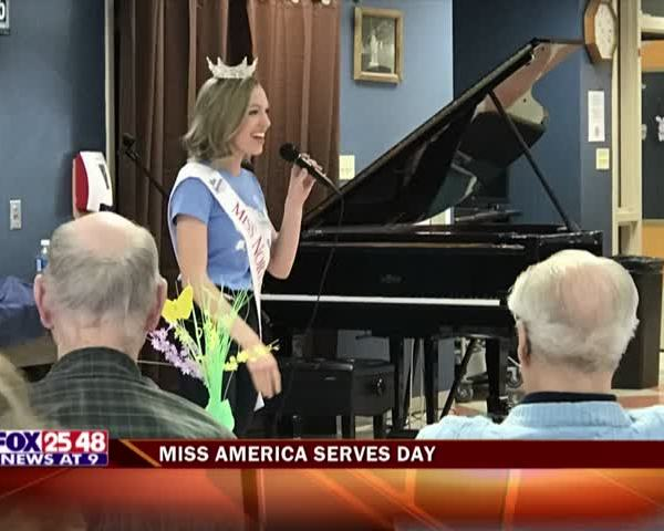 Miss American Serves Day Visits Wisconsin Veterans Home_98930103