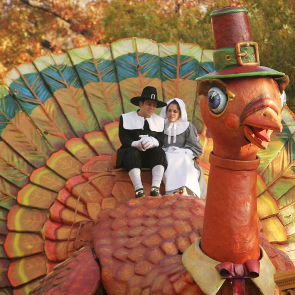 Thanksgiving pilgrims and turkey, Macy's parade55228293-159532