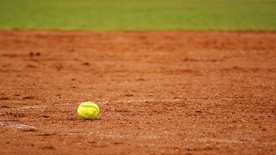 softball-on-field-jpg_20160421160503-159532