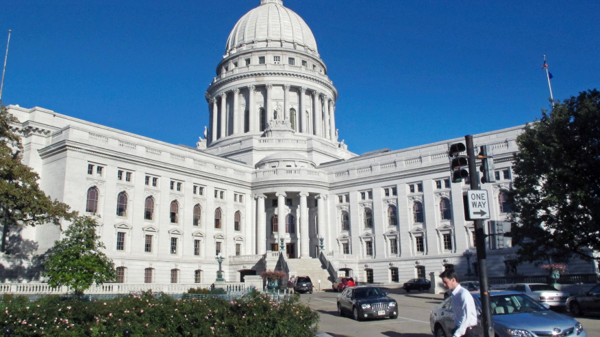 Impeachment divides Wisconsin delegation along party lines