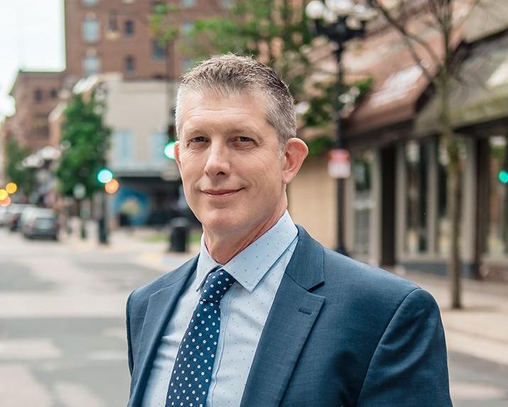 Reynolds wins La Crosse Mayoral election