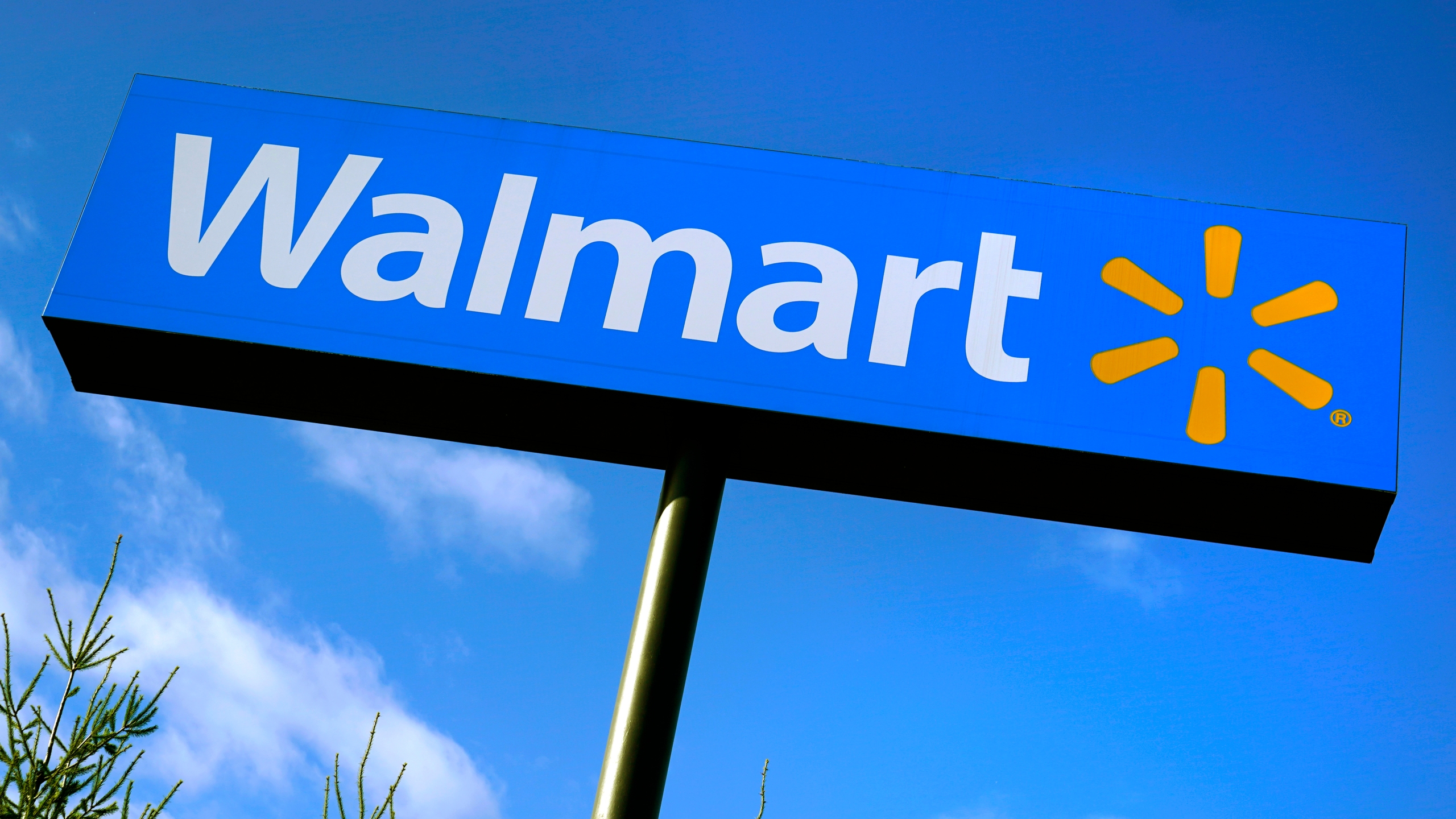 Walmart Hiring up to 100 Associates for Tomah Distribution Center, Starting Pay at $19 an Hour
