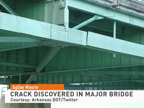 Crack in Bridge Shuts Down Barge Traffic on Portion of the Mississippi River