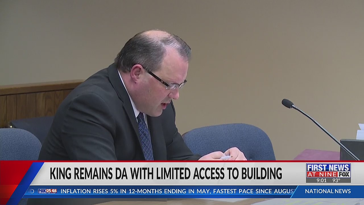 Eau Claire DA Gary King under investigation by governor's office