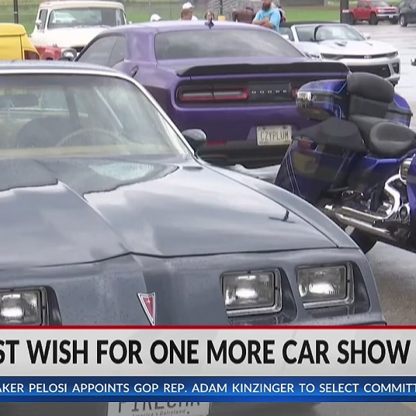 Omro community bands together to honor hospice patient's wish for one last car show